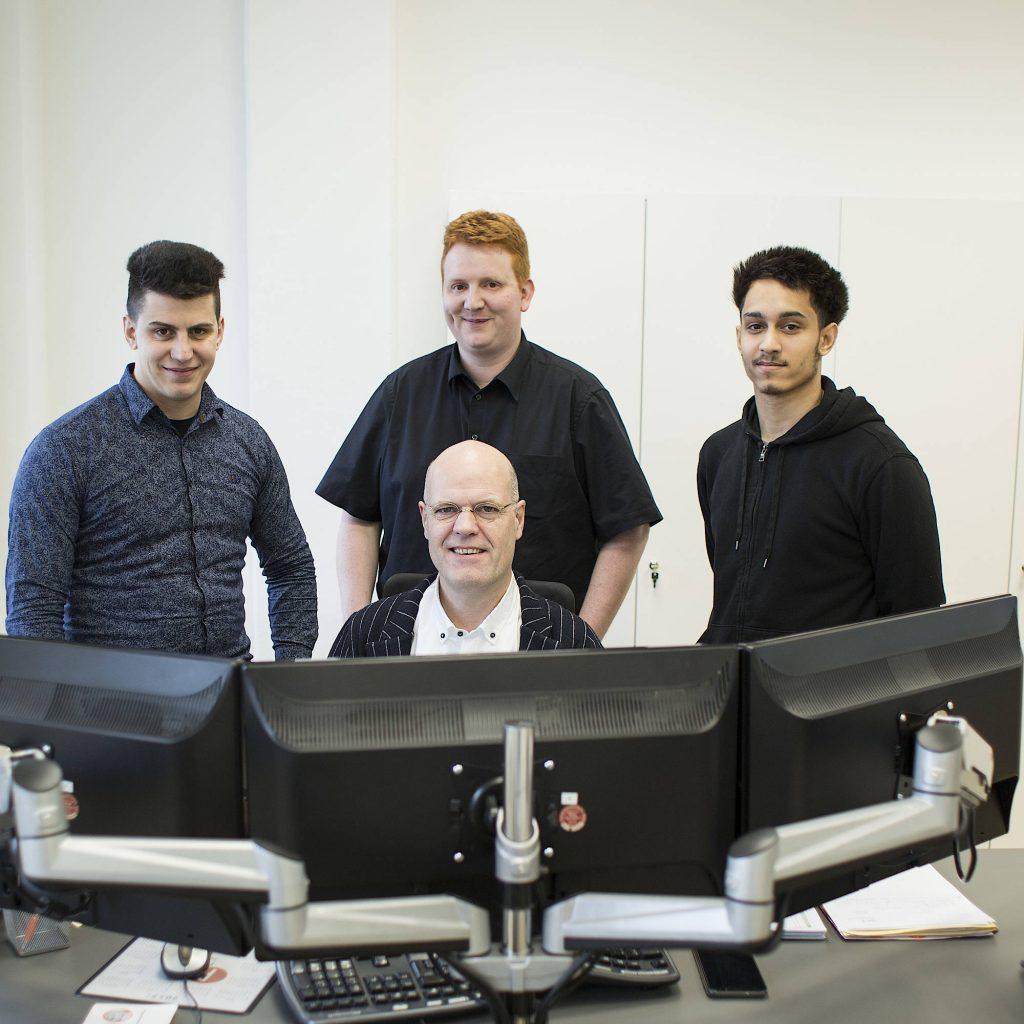 Einige Mitarbeiter der Plenge GmbH System Service